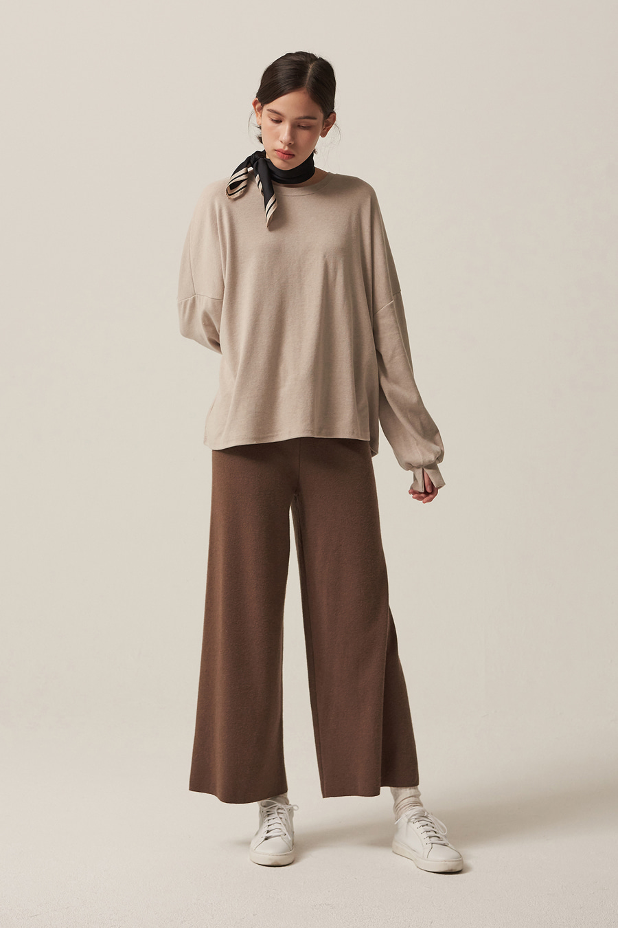 유라고 URAGO Ari wide knit pants