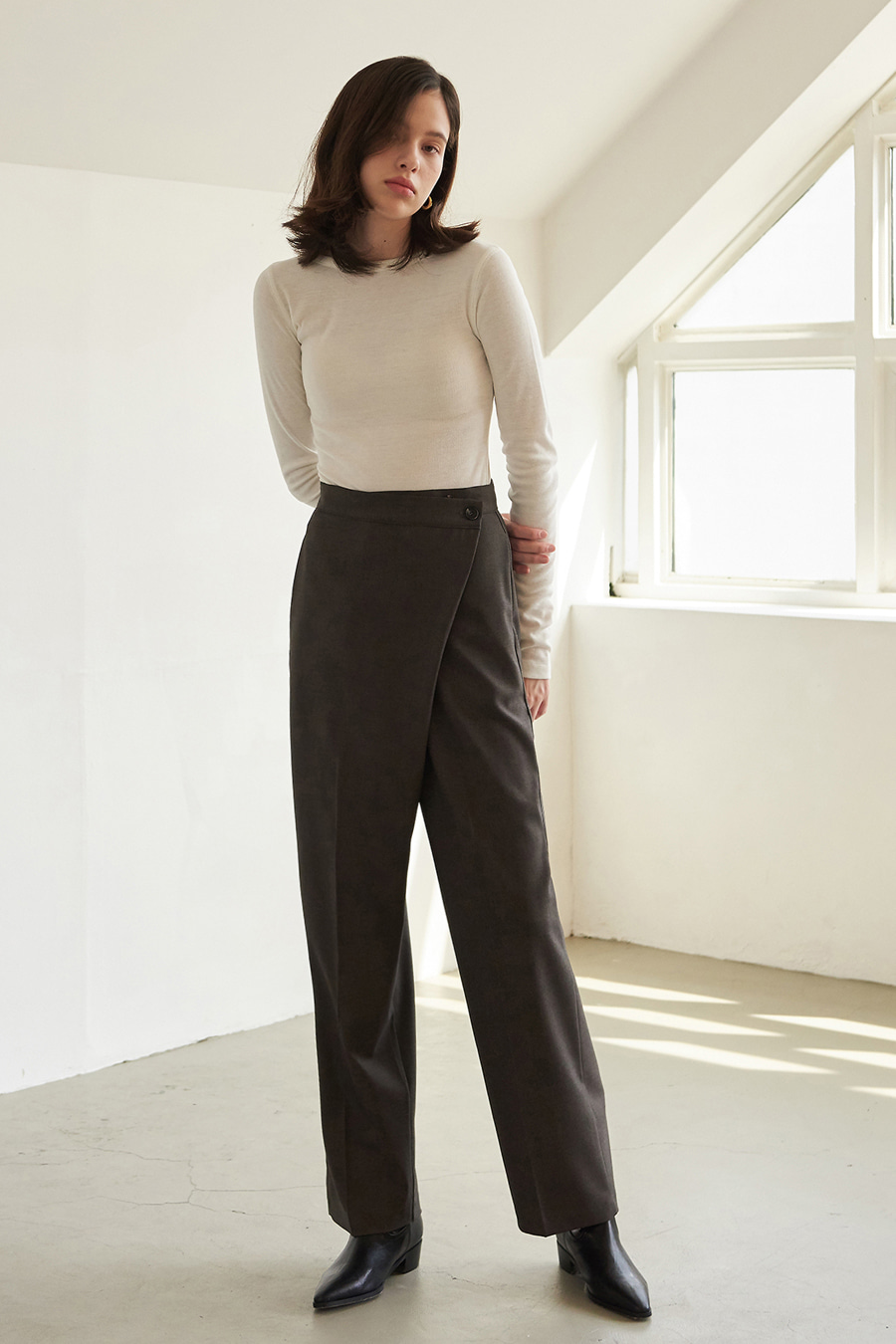 유라고 URAGO Mary wrap pants